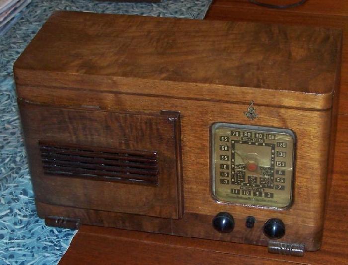 Emerson vintage radio not understand